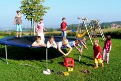 Das Trampolin auf unserem Spielplatz